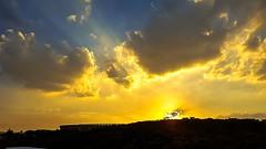 Pr do sol sobre o Mineiro (carlos.ufmg) Tags: sunset brazil landscape samsung paisagem prdosol estdio futebol mineiro campodefutebol galaxys6 carobrod
