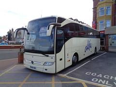 BU16HBC Alfa 95 at the Queens Hotel, Blackpool (j.a.sanderson) Tags: mercedes benz coach alfa blackpool coaches tourismo queenshotel bu16hbc