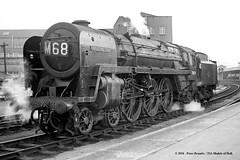 11/04/1961 - Bristol Temple Meads. (53A Models) Tags: britishrailways standard 7p6f britannia 462 70029 shootingstar steam bristol templemeads train railway locomotive railroad