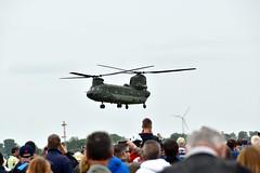 RNLAF Chinook CH-47 (FaceMePLS) Tags: airport chopper nederland thenetherlands helicopter heli leeuwarden vliegveld helikopter liwwadden luchtmacht basis ljouwert klu koninklijkeluchtmacht luchtmachtdagen vliegbasis facemepls royaldutchairforce luchtmachtbasis leewadden nikond5500 vrachthelikopter