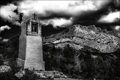 Favorite de Czanne (vedebe) Tags: b bw monochrome statue architecture montagne nb provence et paysages cezanne croix blancn saintevictoirenoir