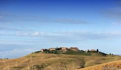 20160704_crete_senesi_siena_tuscany_8877u (isogood) Tags: italy landscapes horizon country scenic tuscany crete siena cretesenesi asciano senesi