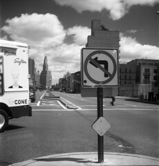 fourth avenue (triebensee) Tags: 120 6x6 tlr brooklyn rollei rolleiflex zeiss jena carl medium automat f35 75mm ilfordpanf50 tessar 75cm brooklynian k4b2