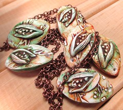 a_lilly_green2 (Chris Pellow Designs) Tags: flowers scotland beads handmade jewellery polymerclay connectors