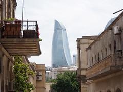 Azerbaijan 2013 (hunbille) Tags: aserbajdsjan azerbaijan aserbaidschan baku framed oldcity irihr iceriseher icherisheher flametowers balcony