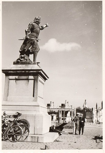 Found WWII era photo identified as the Christine de Lalaing statue in Tournai's Grand Place