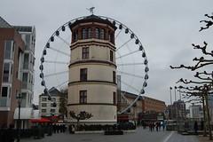 reuzenrad en scheepvaartmuseum van Düsseldorf