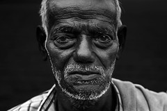Farmer @ Kiliyanur (bmahesh) Tags: portrait people blackandwhite india canon village canon5d farmer chennai mahesh tamilnadu pondicherry cwc closeportrait canonef24105mmf4isusm canoneos5dmarkii chennaiweekendclickers maheshphotography bmahesh wwwmaheshbcom vision:sky=0516 vision:outdoor=0808 cwc310 kiliyanur