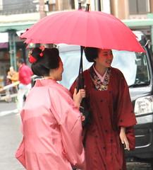 Greetings (jumppoint5) Tags: street city japan umbrella kyoto colours maiko geisha gion greetings katohajime