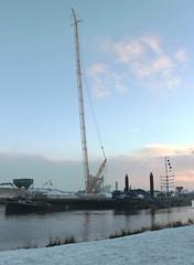 Superkran im Oldenburger Hafen (perspective-OL) Tags: winter snow ice frost hafen eis oldenburg habour winterlandschaft niedersachsen kohltourhauptstadt