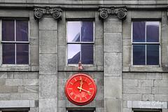 Red Clock, Dublino 2014 (Laura Zulian) Tags: city travel red dublin color clock details minimal citylandscape viaggio dublino