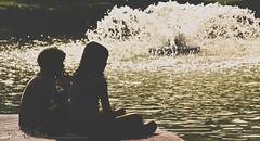 Kids on the water (brvboas) Tags: boy sunset water girl smile kids sunrise children kid flickr play daughter crianas fontain brincando