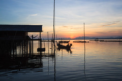 GP04IY2 (RiotBKK) Tags: thailand boats outdoors islands evening day seascapes scenic silhouettes sunsets villages huts fishers fisheries smallscalefishing oceanscampaigntitle climatecampaigntitle kwcigpi