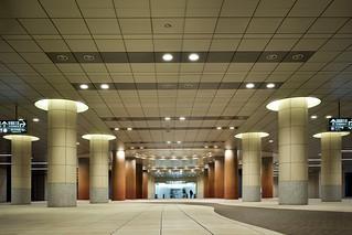 Shiodome Station (都営地下鉄大江戸線 汐留駅)