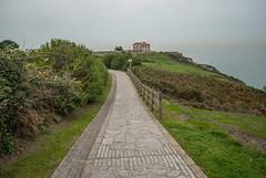 At the cliff (:ΦΩΣ:) Tags: sea españa cliff house mar casa spain gijón asturias acantilado asturies xixón