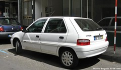 Citron Saxo Exclusive 2002 (XBXG) Tags: auto old 2002 france classic portugal car french automobile citron voiture frankrijk madeira exclusive funchal ancienne saxo franaise madre citronsaxo