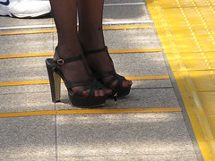 8972507115_bf40de7292_k_gig (Tillerman_123) Tags: feet heels giantess