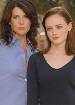 """Estrela de """"Gilmore Girls"""", intérprete de Rory dá à luz seu primeiro filho"""