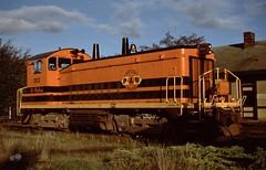 Portland & Western SW-1200M #1202.  St Helens Oregon, October 11 1997. (Dan Haneckow) Tags: 1997 sthelens portlandwestern astorialine sw1200m pw1202