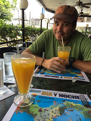 "Panama City: jus de fruit de la passion <a style=""margin-left:10px; font-size:0.8em;"" href=""http://www.flickr.com/photos/127723101@N04/26726917564/"" target=""_blank"">@flickr</a>"