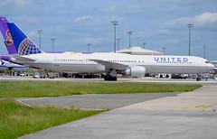 N76064, Boeing 767-424(ER), 29459/873, United Airlines, CDG/LFPG, 2016-05-21. (alaindurandpatrick) Tags: boeing airports airlines ual 767 airliners ua unitedairlines cdg boeing767 jetliners 764 lfpg 767400 boeing767400 parisroissycdg n76064 29459873