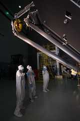 Photographing the James Webb Space Telescope - Behind the Scenes (Jolearra) Tags: lighting bunny photography james mirror space room mirrors nasa clean hasselblad suit telescope behind secondary scenes webb