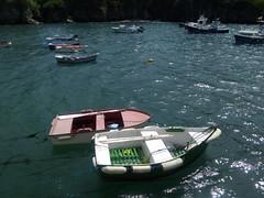 IMG_20160522_162908 (Myrii Canal) Tags: espaa paisajes naturaleza verde sol azul de agua barcos natural asturias dia paseo caminos viajes cielo nubes casas barcas aire olas antiguo acantilado rocas oceano tapia casariego soleado nuboso disfrutar