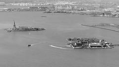 New York - Statue of Liberty & Ellis Island (bilderflut photography) Tags: usa newyork manhattan worldtradecenter wtc statueofliberty ellisisland freiheitsstatue oneworldtradecenter onewtc