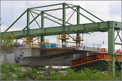 Mersey Gateway Project  Northern Approach Viaduct (Wing Traveller on the move) 21st June 2016 (Cassini2008) Tags: construction cheshire engineering mersey widnes merseylink merseygatewayproject wingtraveller rubricabridges rubricaengineering