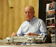 NICK TATE AT WONDERFEST. LEGEND. (suki5150) Tags: ohio robot kentucky lucasfilm tomcruise r2d2 louisville droid oblivion c3po space1999 drone brianjohnson theempirestrikesback gerryanderson wonderfest r5d4 moonbasealpha eagletransporter nicktate silentrunningtribute