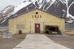The old chicken farm (George Pachantouris) Tags: abandoned russia union svalbard soviet pyramiden