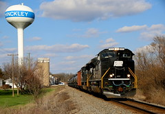 The Penn Central (JayLev) Tags: pc watertower bn ci bnsf 1073 hinckley penncentral
