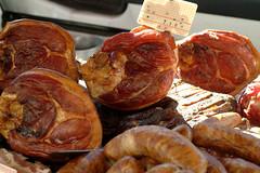 Fums vosgiens  Michel laurent (Je vois la vie en Vosges) Tags: march vosges jambon charcuterie viande fum spcialit savoirfaire produitrgional produitduterroir