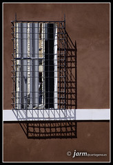 Sombras (jarm - Cartagena) Tags: espaa architecture ventana spain rojo arquitectura cartagena sombras hueco regindemurcia jarm