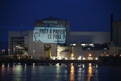 Action à la centrale de Tricastin (greenpeacefrance) Tags: action françois risque hollande nucléaire tricastin