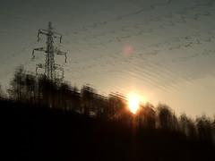 Verspiegelt (SichtbarUnsichtbar) Tags: park sunset lake nature water see abend reflex wasser sonnenuntergang ripple derbyshire wave national sonne spiegelung billow strommasten mirroring hadfield