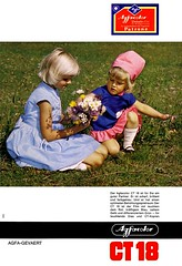 Agfa (1967) Agfacolor CT 18 (H2O74) Tags: old flowers blue girls flower classic film vintage ads print advertising children photo 60s foto publicidad child photos alt films ad wiese ct blumen dia kinder advertisement anúncio blond fotos advert classics blonde 1967 blau 18 werbung hellblau dias publicité brilliant mädchen reklame advertisment kopie publicitario adverts diapositive anzeige straus mädels historisch 60er blumenwiese patrone scharf brillant afga anzeigen blumenstrauss agfacolour agfacolor gevaert agfagevaert werbungen fotofilm reklamen ct18 umkehrfilm farbaufnahme farbaufnahmen geavert gevärt gavaer ctkopien