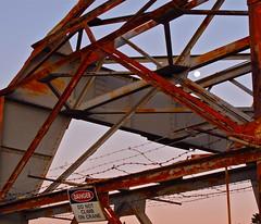 Disk (Padmacara) Tags: moon danger port twilight rust harbour crane australia barbedwire fremantle g10