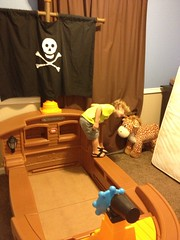 232 of 365 - hey giraffe! ([ the black star ]) Tags: boy playing silly kid toddler things kingston stuff giraffe adventures shrug 232365 pirateshipbed theblackstar twohundredthirtytwo thelittlemister k233 uploaded:by=flickrmobile flickriosapp:filter=nofilter