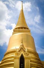 Golden Foxglove (JoeyHelms Photography 2.5MViews&10kFollowers) Tags: blue sky thailand temple gold asia bangkok grand joe palace wat helms lightroom joeyhelms httpswwwfacebookcomjoeyhelmsphotography joeyhelmsphotography jy