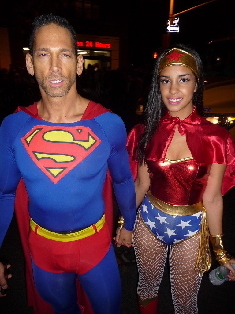p1110480 randsom tags nyc newyorkcity cute sexy halloween costume couple village manhattan greenwich