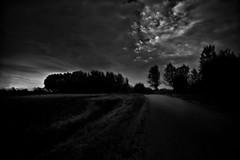 notte#8...i fatti comuni sono allineati nel tempo... (UBU ♛) Tags: noiretblanc blues dreams notte biancoenero vento blunotte 25secondi ©ubu unamusicaintesta blusolitudine landscapeinblues luciombreepiccolicristalli