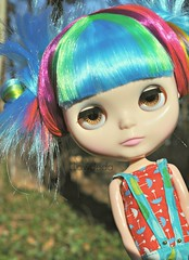 Oh yea! (Lawdeda ) Tags: from boy its hair head awesome fake every penny be and oh worth vanilla blythe about rainbows custom epic thick fbl vision:sky=0578 vision:outdoor=0586