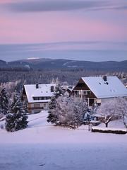 Hohegeiß im Harz (Teelicht) Tags: schnee winter snow mountains germany deutschland dawn berge dämmerung harz hohegeiss niedersachsen lowersaxony hohegeis blinkagain
