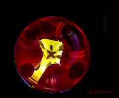 Tulpe hinter Glas... (glaskugel_knipser) Tags: flower nature fleur ball lights crystal natur tulip blume lichter tulipe tulpe glaskugel farbfoto