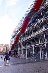 Mr Pompidou (Sofiasu91) Tags: paris jeff nature louvre charlie lumiere notre dame nuage pompidou nous koons sommes antinature