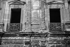 Abandono (sgarinortiz) Tags: chile old santiago white black building abandoned blanco architecture photography arquitectura ruins negro edificio fotografia antiguo