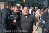 """Rund Tausend bei rechtem """"Merkel muss weg""""-Aufzug in Berlin (Theo Schneider) Tags: berlin protest demonstration polizei neonazis rassismus rechtsextremismus naziaufmarsch aufmarsch festnahme bereitschaftspolizei rechtsextreme washingtonplatz rechtspopulismus gegenausländer gegenflüchtlinge flüchtlingsgegner flüchtlingsfeinde merkelmussweg gegenasyl 7mai2016"""
