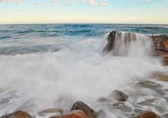 Pasan las olas y el tiempo (nataliaf.rouces) Tags: atardecer waterfall spain alicante olas cascada moraira costablanca marmediterraneo calabaladrar