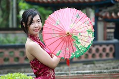 DP1U6812 (c0466art) Tags: old light portrait building girl beautiful smile canon pose garden nice eyes pretty slim natural action sweet outdoor gorgeous jenny chinese figure tall charming elegant   1dx c0466art
